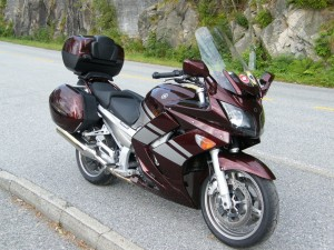 photo de YAMAHA FJR 1300 occasion de couleur Bordeaux en vente &agrave Paris 02 n°1