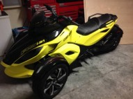 photo de CAN AM SPYDER RS 998 occasion de couleur jaune en vente �  Rochefort
