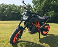 photo de KTM DUKE 690 occasion de couleur noir en vente �  Baratier