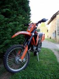 photo de KTM EXC 125 occasion de couleur orange en vente à Ansouis