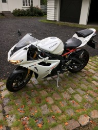 photo de TRIUMPH DAYTONA 675 occasion de couleur blanc en vente �  Agen