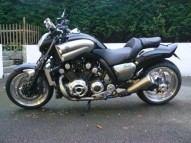 photo de YAMAHA VMAX 1700 occasion de couleur noir en vente �  Marseille