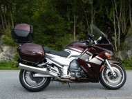 photo de YAMAHA FJR 1300 occasion de couleur Bordeaux en vente à Nantes