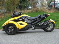 photo de CAN AM SPYDER 998 occasion de couleur jaune en vente �  Bordeaux
