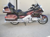 photo de HONDA GL GOLDWING 1800 1800 occasion de couleur Bordeaux en vente à Ronsenac
